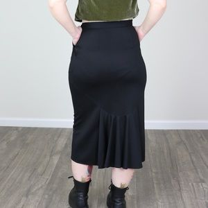 Vintage That's Me! Black Midi Skirt with Bustle